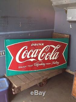 62 Drink Coca Cola Fishtail Sign Withgreen Border