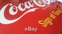 Coca Cola 12 Button/Disc Sign of Good Taste Sign NM