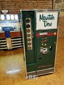 Mountain Dew Coca Cola Soda Machine Bottle Drink Cooler Hillbilly Lighted Sign