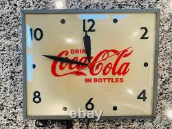 Vintage Coca Cola Bubble Clock from Swinhart Elmwood, IN 120 Volt
